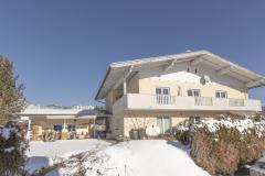 Hausansicht-Ambiento-Tirol-Apartment-Ferienwohnung-Kirchbichl-14-scaled
