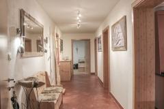 Eingang Gang Ambiento Tirol Apartment Ferienwohnung Kirchbichl